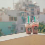 [CNN Business] Nos EUA, Starbucks começa a reabrir lojas no início de maio