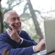 [Tab UOL] A digitalização na marra de pequenos negócios e boomers